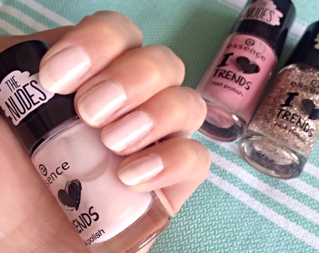 Essence Nail Polish I Love Trends - To Bend Light