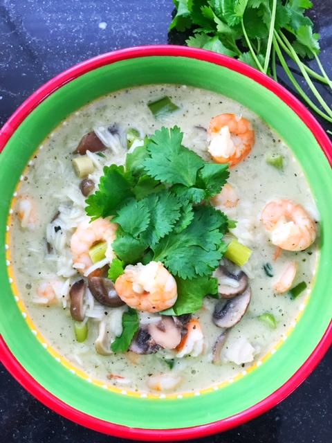 Thai rice soup with prawns