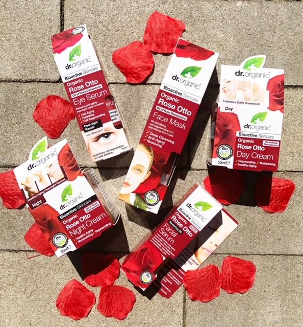 Vier moederdag met rozen van Dr. Organic